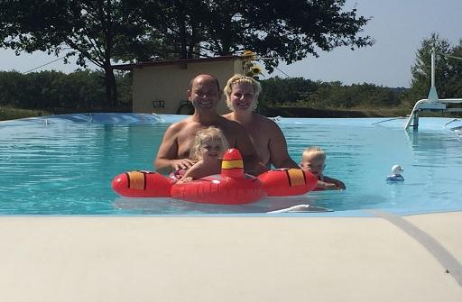Ons heerlijke zwembad in de Perigord-noir dordogne