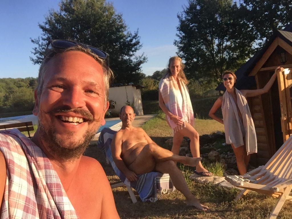 Nakedwanderings op bezoek bij Coteau de l'Herm